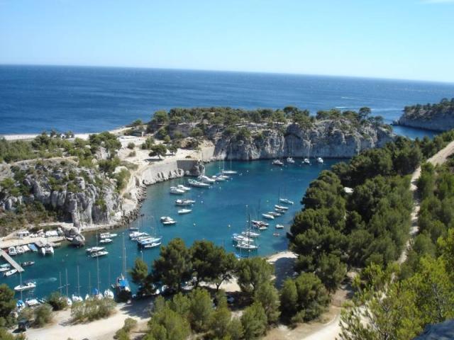 Calanque-de-port-miou-bateaux_plongeante