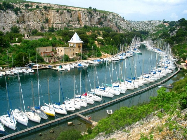 Calanque_port miou